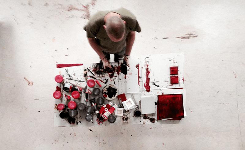 Vormgever-in-actie-met-kunst-KlaasJacobKort